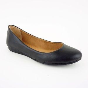 American Rag Women's Ellie Flats Shoe, Black